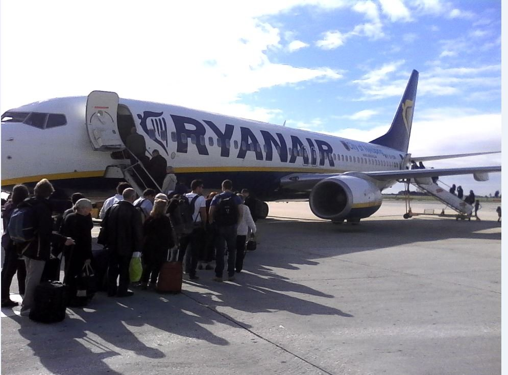 embarquement Ryanair à l'aéroport de Lisbonne